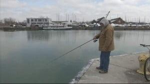 Πάτρα: Ψάρευε και έπεσε στη θάλασσα!