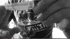 Ψάρεμα για καλαμάρια από ακτή με black minnow