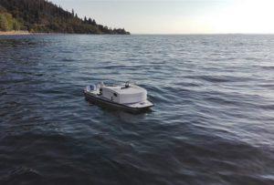 """Τηλεκατευθυνόμενο ρομποτικό σκάφος περιπολεί την λίμνη """"Υλίκη"""""""